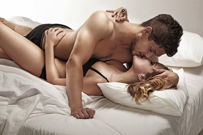 Una pareja teniendo sexo